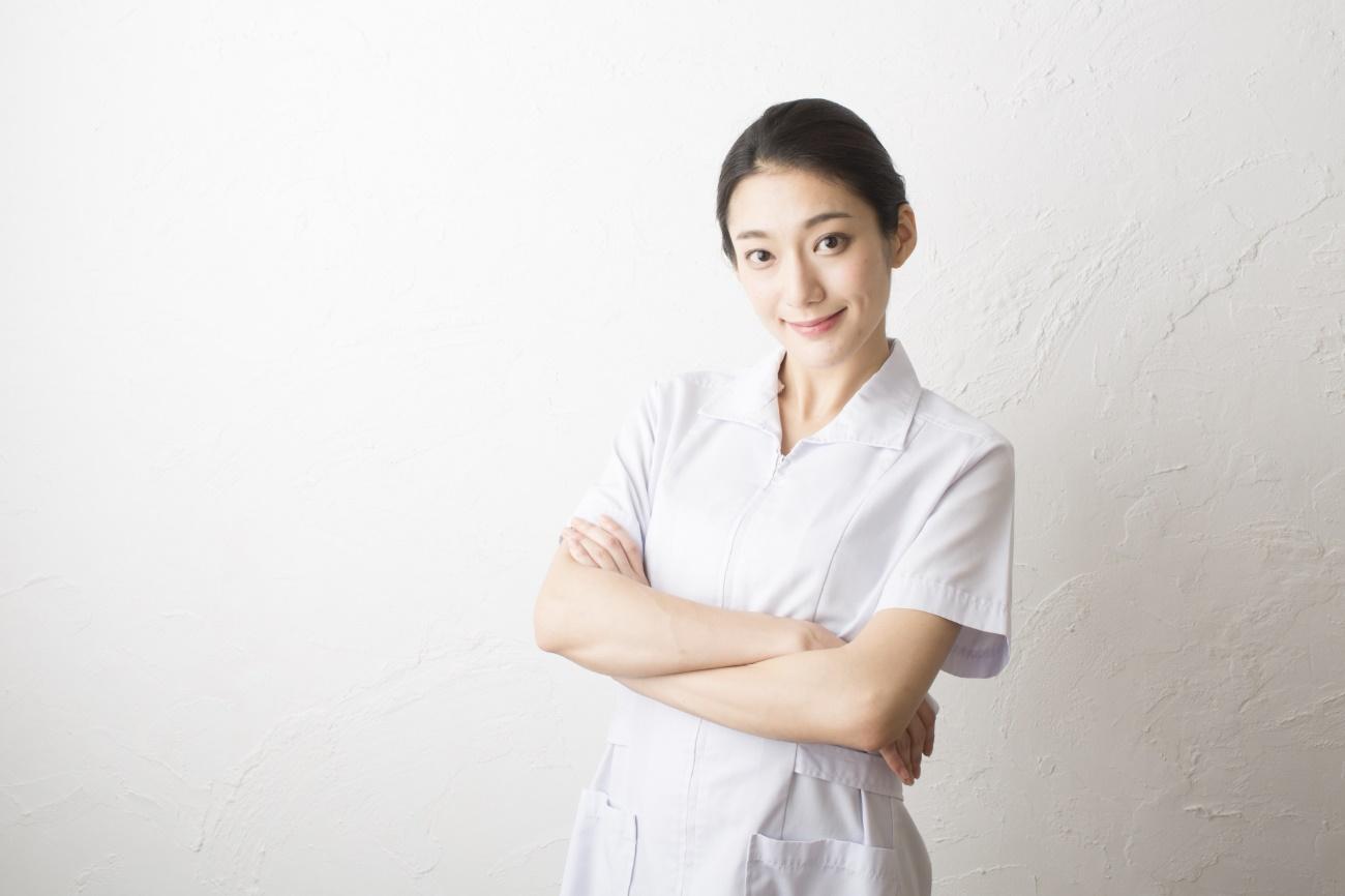 看護師が身につけたい基本マナー 髪型・服装・靴 イメージ