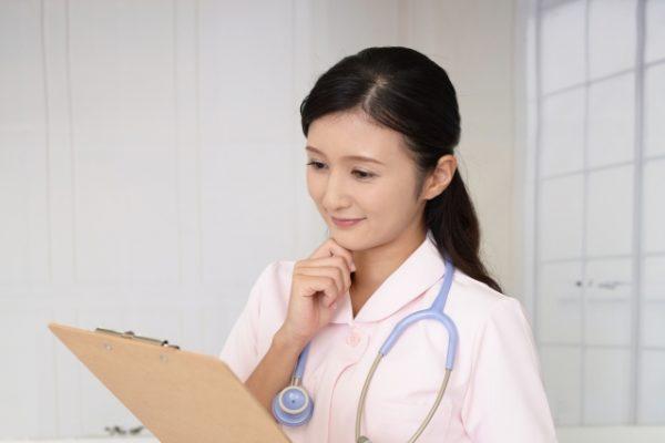 手を借りたいときに自分から積極的に頼めない|看護師辞めたいアンケート イメージ